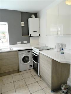 3 bedroom house to rent - Treharris Street, Roath, Cardiff