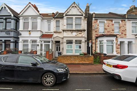 1 bedroom flat for sale - Faircross Avenue, Barking, London, IG11