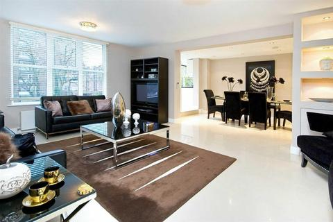 3 bedroom apartment - Boydell Court, St Johns Wood