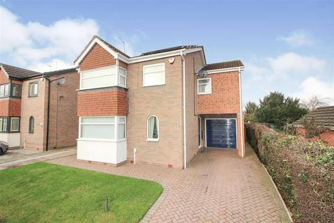 5 bedroom detached house - Newton Drive, Beverley