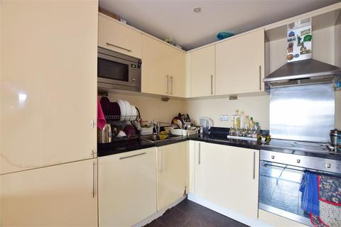 1 bedroom flat for sale - High Road, Ilford, Essex