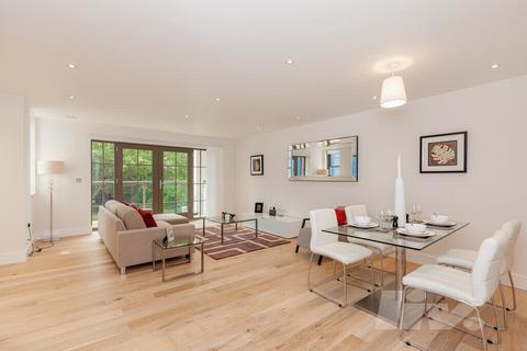 2 bedroom flat - Octavian House, Alexandra Road, St John's Wood, NW8