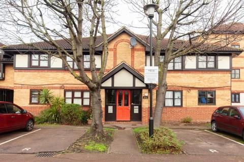 1 bedroom flat - Creighton Road, London, Greater London, N17 8JX
