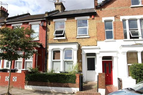 Studio to rent - Queens Road, London, N11