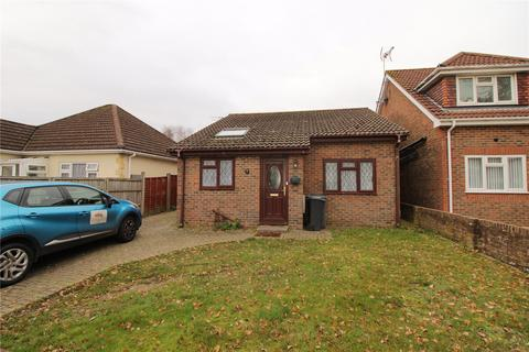 2 bedroom bungalow for sale - Hill View Road, Bournemouth, BH10