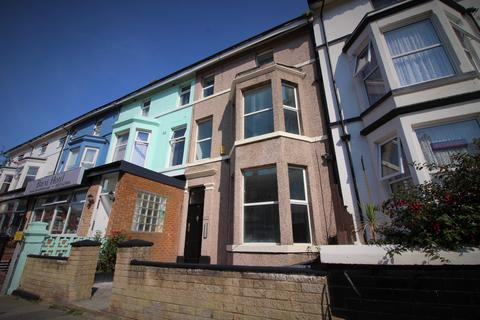 Studio to rent - Lord Street, Flat 8, Blackpool, Lancashire, FY1