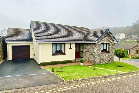 3 bedroom detached bungalow - Drapers Close, Combe Martin
