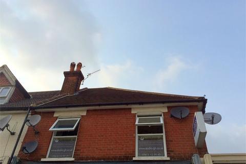 Studio to rent - Pound Lane, Epsom