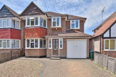 4 bedroom semi-detached house for sale - Redway Drive, Twickenham, TW2