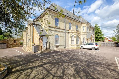 1 bedroom ground floor flat for sale - Priory Road, St. Ives