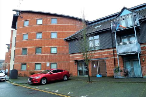 2 bedroom apartment for sale - Page Road, Bedfont