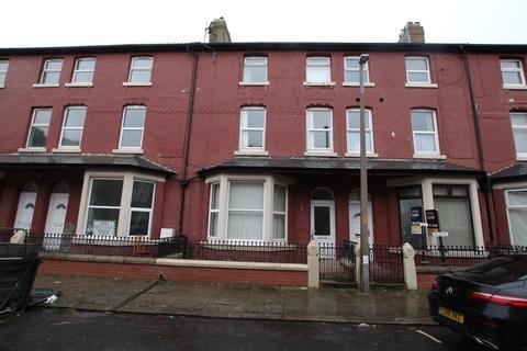 2 bedroom flat to rent - Flat 3, 12 Balmoral Terrace