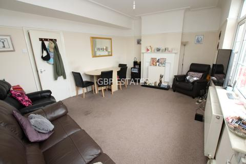 2 bedroom flat to rent - Green Lane, Dagenham