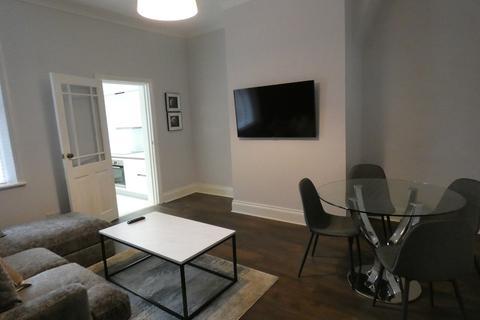 2 bedroom apartment to rent - Hazelwood Avenue, Jesmond