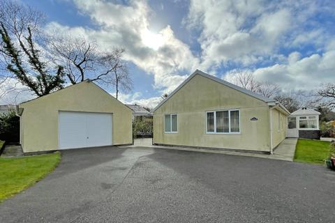 4 bedroom bungalow for sale - Cefn Dyffryn, Groeslon, Caernarfon, Gwynedd, LL54