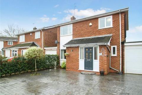 3 bedroom detached house - Arley Close, Timperley