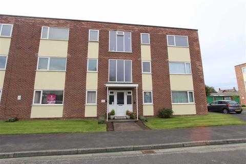 2 bedroom apartment - Rutland Court, Lytham St. Annes, Lancashire