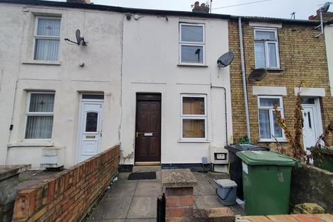 2 bedroom terraced house for sale - Gladstone Street, Peterborough