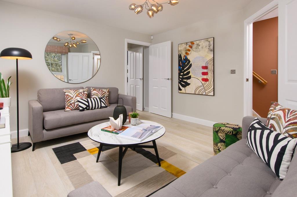 3 bedroom Ellerton lounge