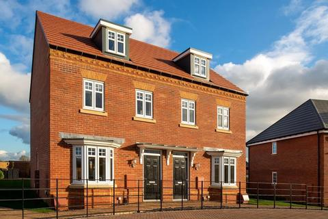 David Wilson Homes - DWH at Overstone Gate - Plot The Huxford - 24, The Huxford - Plot 24 at Glenvale Park, Land off Niort Way NN8