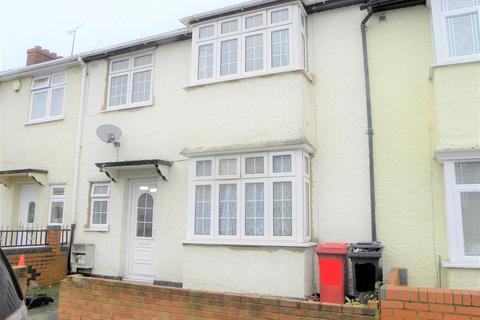 3 bedroom terraced house - Wellesley Road, Slough