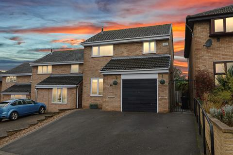 3 bedroom detached house for sale - Langley Close, Linacre Woods, Chesterfield