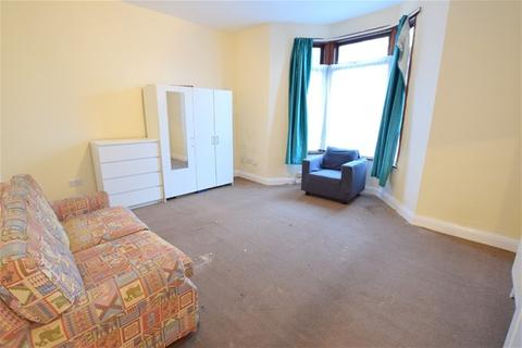 3 bedroom flat to rent - Lea Bridge Road, London