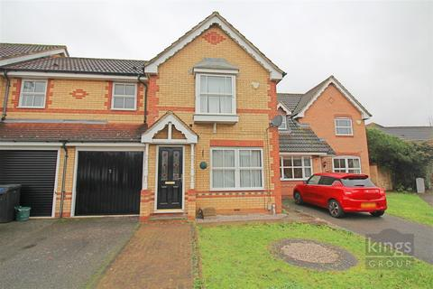 3 bedroom end of terrace house - Doulton Close, Church Langley