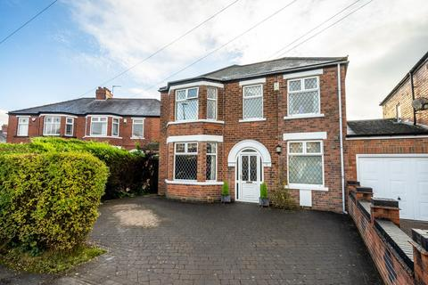 4 bedroom detached house for sale - Eastbourne Grove, York