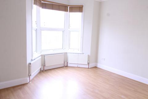 2 bedroom flat to rent - Church Hill, Walthamstow, LONDON, E17 3AG