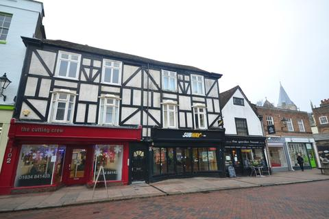 2 bedroom flat to rent - High Street Rochester ME1