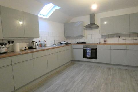 5 bedroom house share to rent - Flat 3  Hill Street, Stoke-on-Trent, ST4 1NL