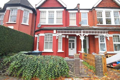 2 bedroom apartment - Devonshire Road, Palmers Green, London, N13