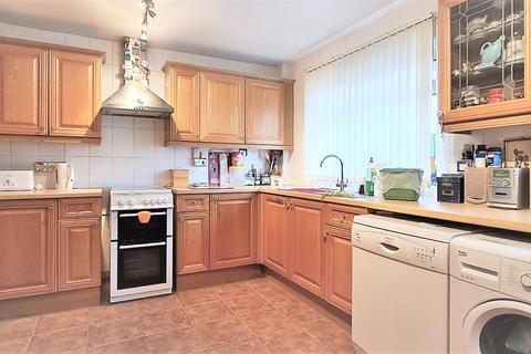 1 bedroom flat share to rent - Kidd Place, Charlton, London, SE7
