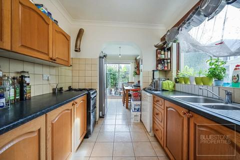 4 bedroom terraced house to rent - Thurso Street, Tooting Broadway
