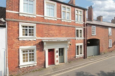 3 bedroom terraced house for sale - Church Street, Westbury