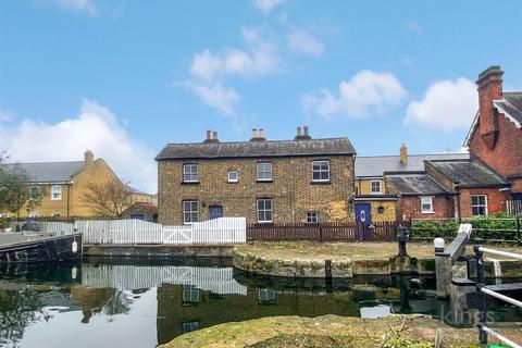 3 bedroom cottage for sale - South Ordnance Road, Enfield, EN3