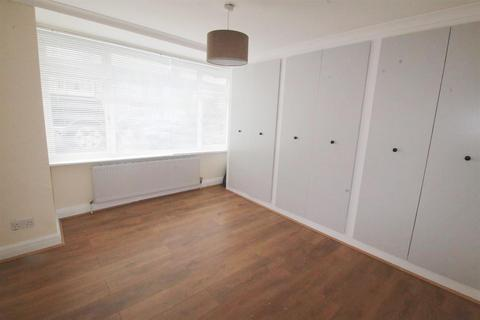 2 bedroom maisonette - Clydesdale, Enfield