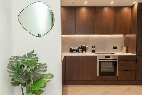 2 bedroom apartment - Ellesmere Street, Manchester