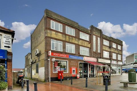 4 bedroom flat for sale - Cheam Common Road, Worcester Park