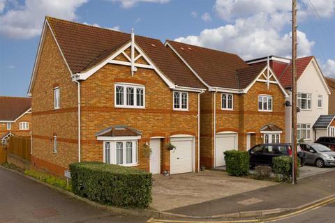 5 bedroom detached house for sale - Clarkes Avenue, Worcester Park