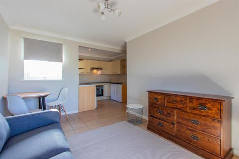 2 bedroom flat to rent - Stacey Court, Newport Road, Roath