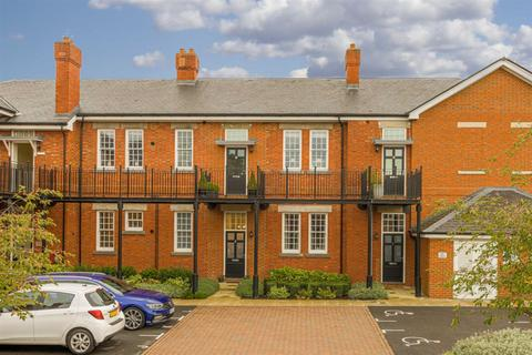 2 bedroom flat for sale - Sherwood Way, Epsom