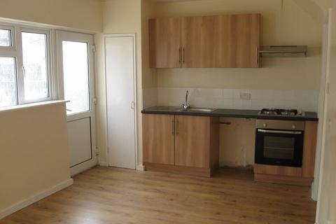 3 bedroom semi-detached house to rent - Totshill Drive, Hartcliffe, BRISTOL, BS13