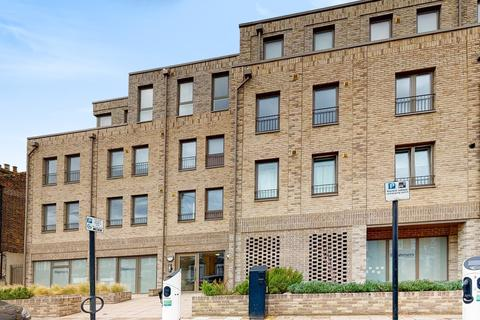 2 bedroom apartment - Doggett Road Catford SE6