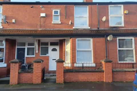 3 bedroom terraced house to rent - Harley Street, Manchester, M11