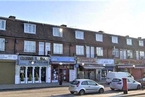 3 bedroom flat to rent - Whitchurch Lane, Canons Park