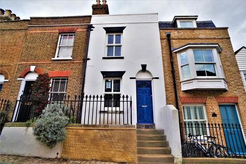 2 bedroom terraced house to rent - High Street, Upnor, Rochester