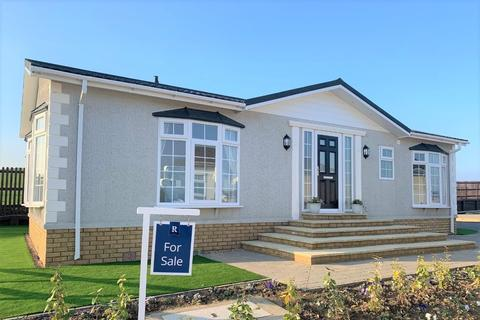 2 bedroom park home for sale - Reculver, Kent, CT6