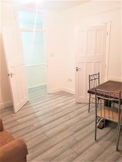 3 bedroom flat to rent - Ballards Lane, Finchley N3